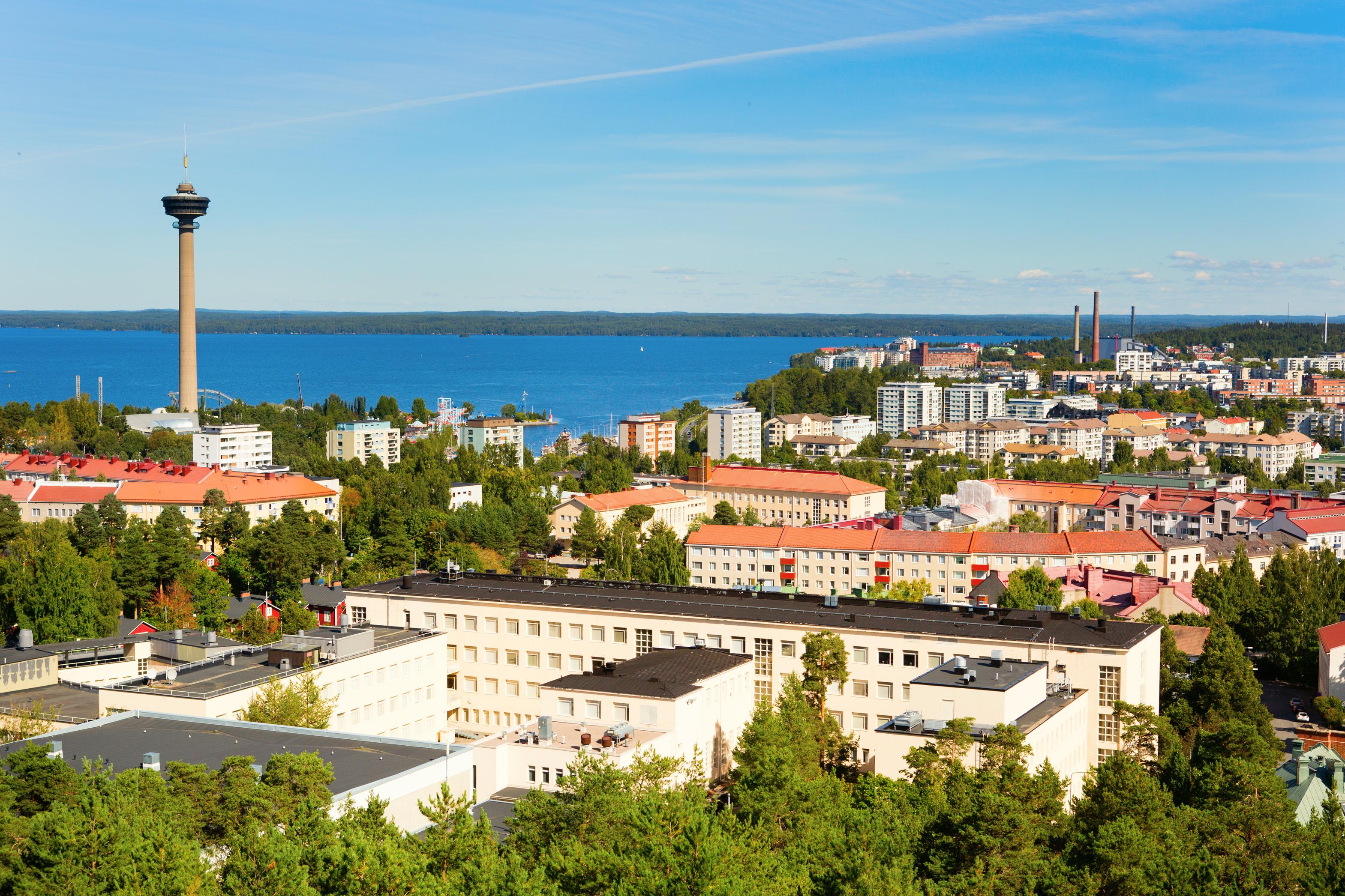 Tredje størst og TV-tårn som landemerke. Mye er likt mellom Tampere og Trondheim. Men arbeidsledigheten er høy hos våre finske venner, særlig blant de unge. Foto: Shutterstock