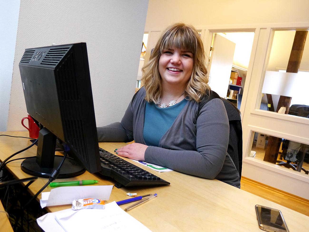 Salg er et fag. Marthe Kroknes har jobbet i virksomheten i snart to og et halvt år. Tekst og foto: Jan-Are Hansen.