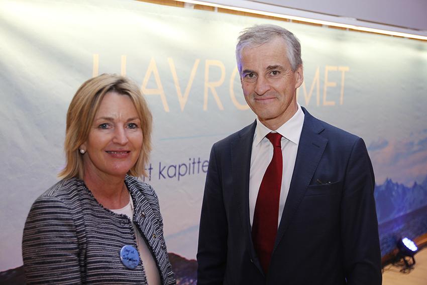 Direktør for NTNU Havrom, Ingrid Schjølberg, og Arbeiderpartiets leder Jonas Gahr Støre. Tekst og foto: Kenneth Stoltz