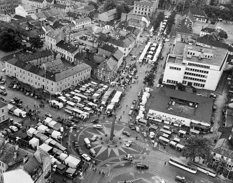Tidsbilde. Travel martnasdag i 1958. Foto: Schrøder / Sverresborg Trøndelag Folkemuseum