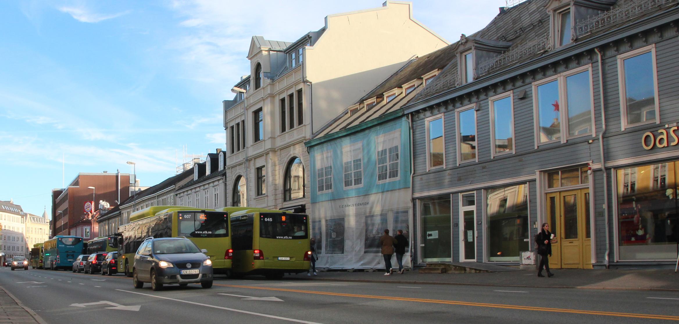 Sentralt område for utvikling av Midtbyen. E. C. Dahls Eiendom har jobbet lenge for at det skal bygges parkeringsgarasje under Olav Tryggvasons gate. Selskapet håper også på å få bygget ut Midtbykvartalet mellom Olav Tryggvasons gate og Thomas Angells gate.