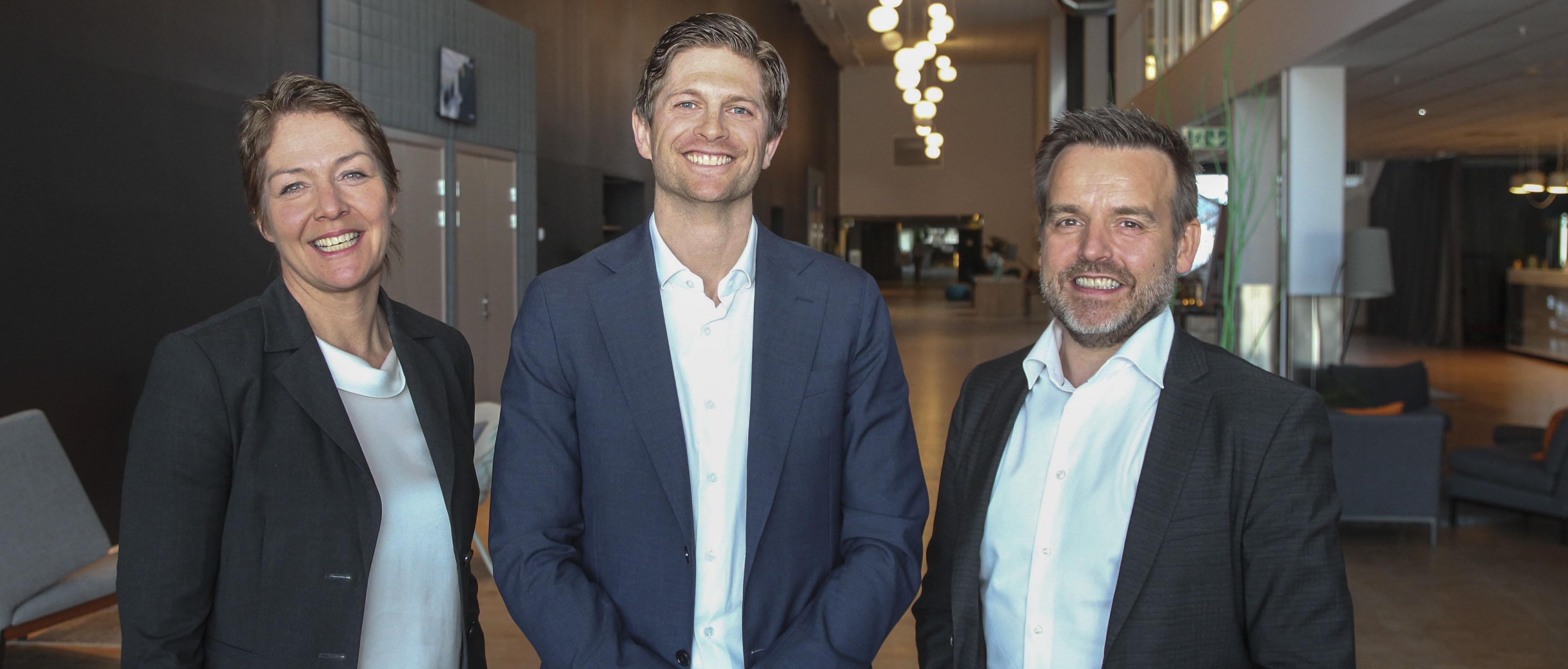 Utmerket seg i hard konkurranse. Årets ledertalent i Trondheimsregionen er et samarbeid mellom Adecco og NiT med hensikt å synliggjøre yngre ledere som utgjør en forskjell i regionen. Jan Petter Lindbak er den fjerde i rekken som får denne utmerkelsen.
